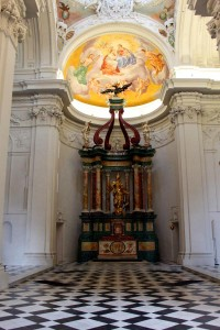 Mausoleum3_1