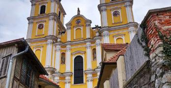 Die Treppe und die Basilika Mariatrost von vorne