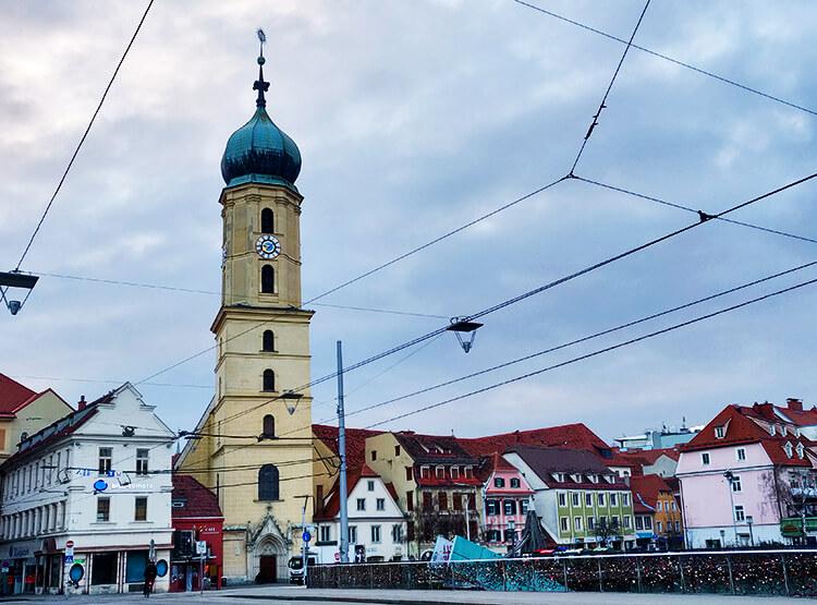 Die Franziskanerkirche von vorne