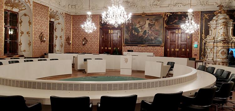 Landtagssitzungssaal im Landhaus