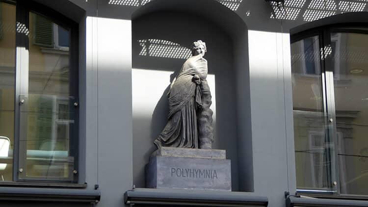 Polyhymnia am Eisernen Haus (Kunsthaus Graz)