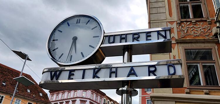 Die Weikhard Uhr am Grazer Hauptplatz