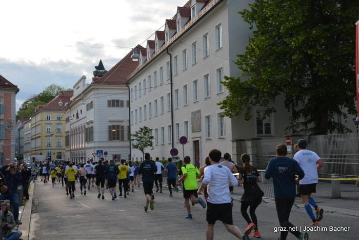 raiffeisen-businesslauf-graz-2019_300