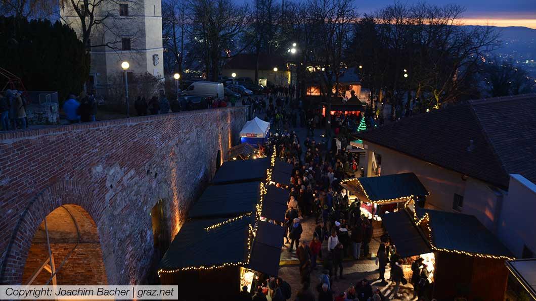 aufsteirern-adventmarkt-graz