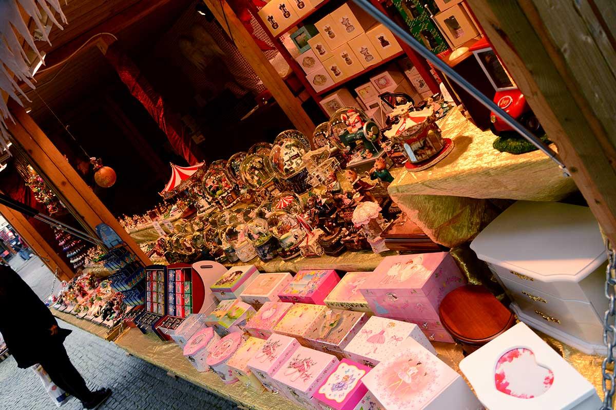 christkindlmarkt-franziskanerplatz_2