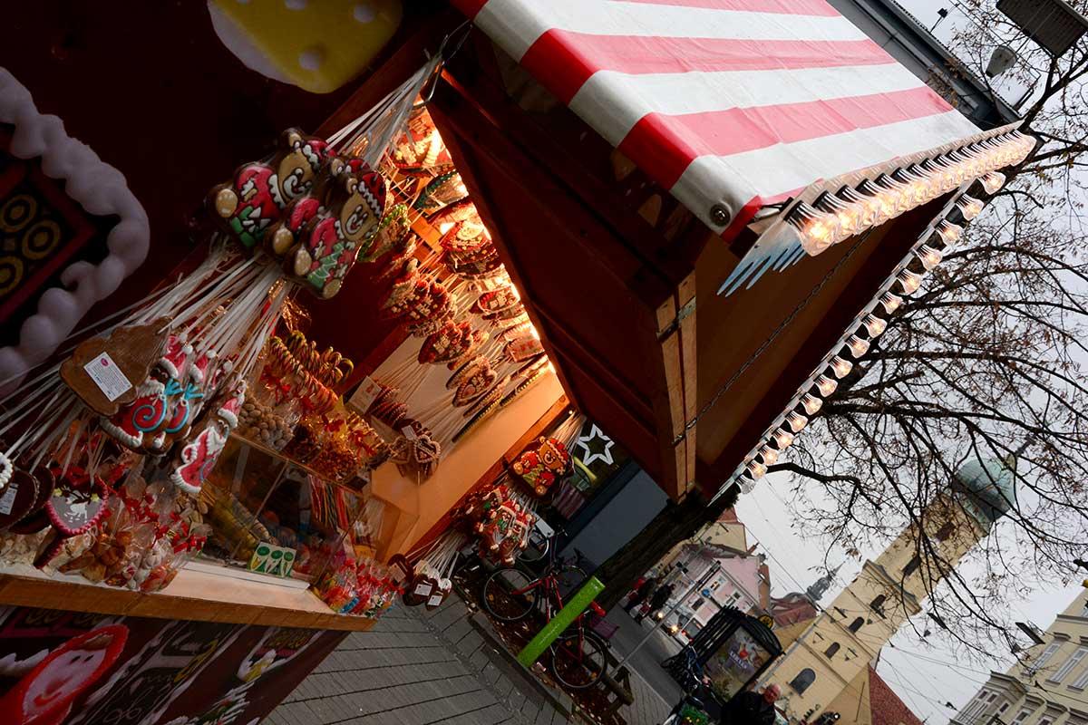 christkindlmarkt-suedtirolerplatz-graz_3