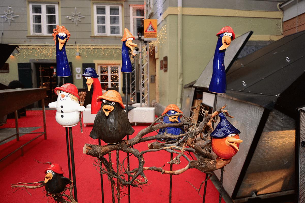 tonfiguren-christkindmark-mehlplatz-graz